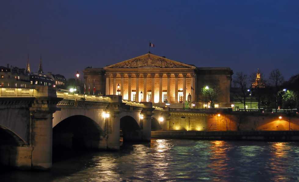 Palais Bourbon, Sitz der Nationalversammlung (Foto Webster, Lizenz cc-by-sa 3.0)