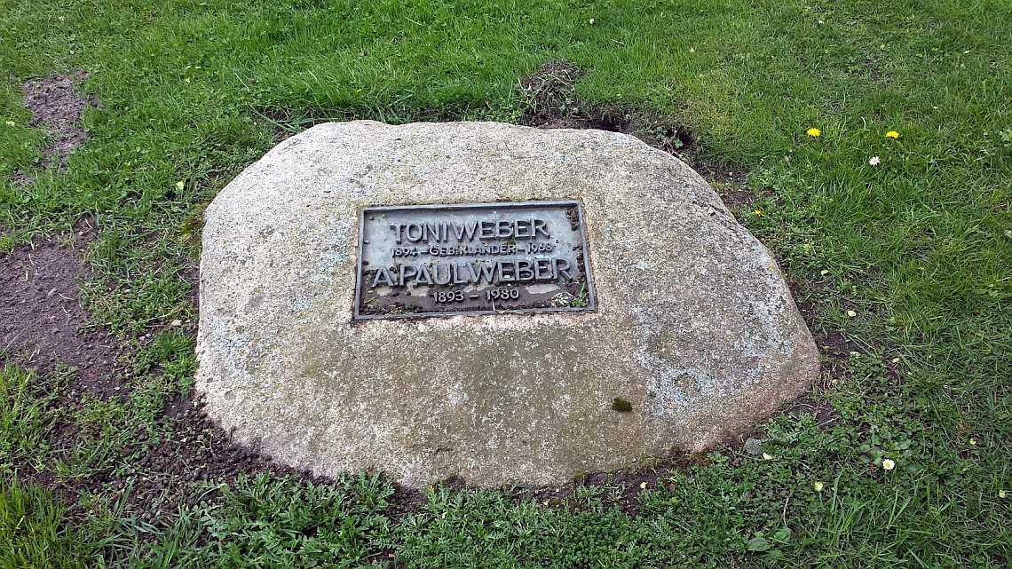 A. Paul Weber Grab in Ratzeburg neben dem Museum