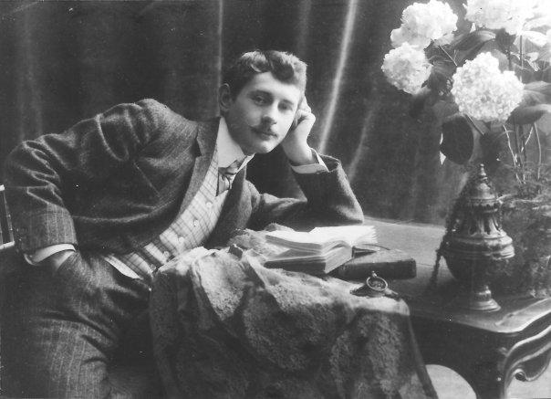 Jacques d'Adelswärd-Fersen auf einem Foto aus dem jahr 1905 (Quelle: wmc Roger Peyrefitte)