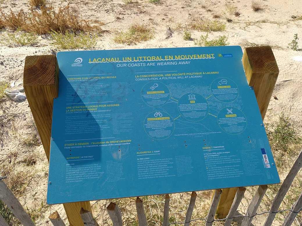 Lacanau Océan 2018 neu aufgestellte Informationstafeln Erosion
