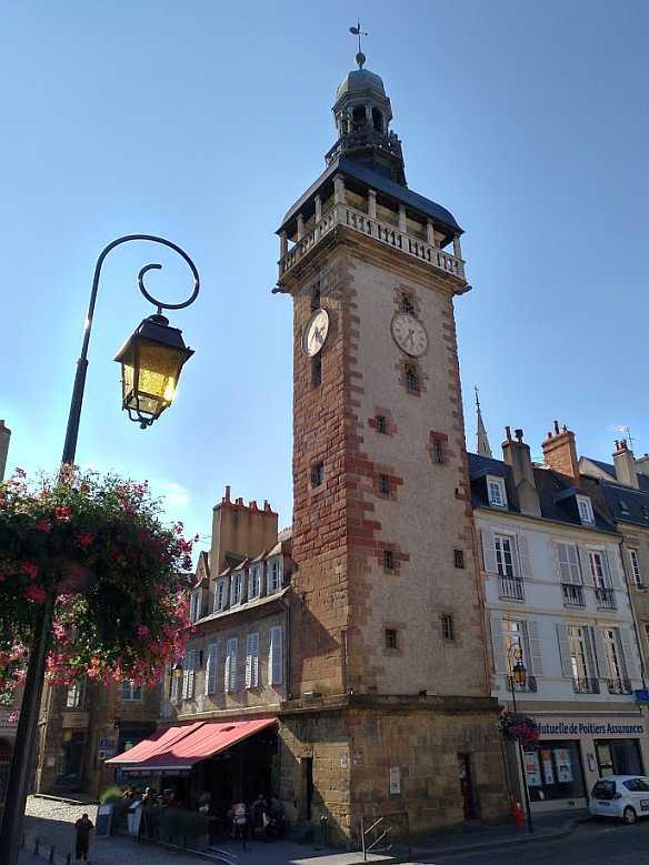 tour Jacquemart Uhrturm Moulins