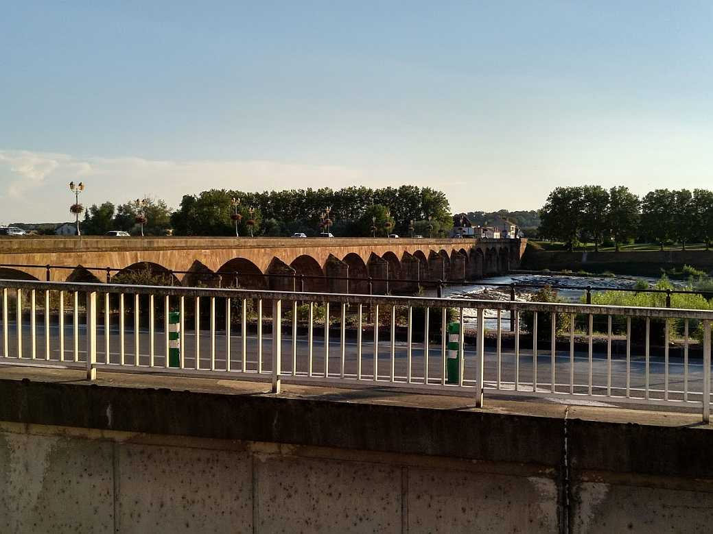 pont Régemortes in Moulins