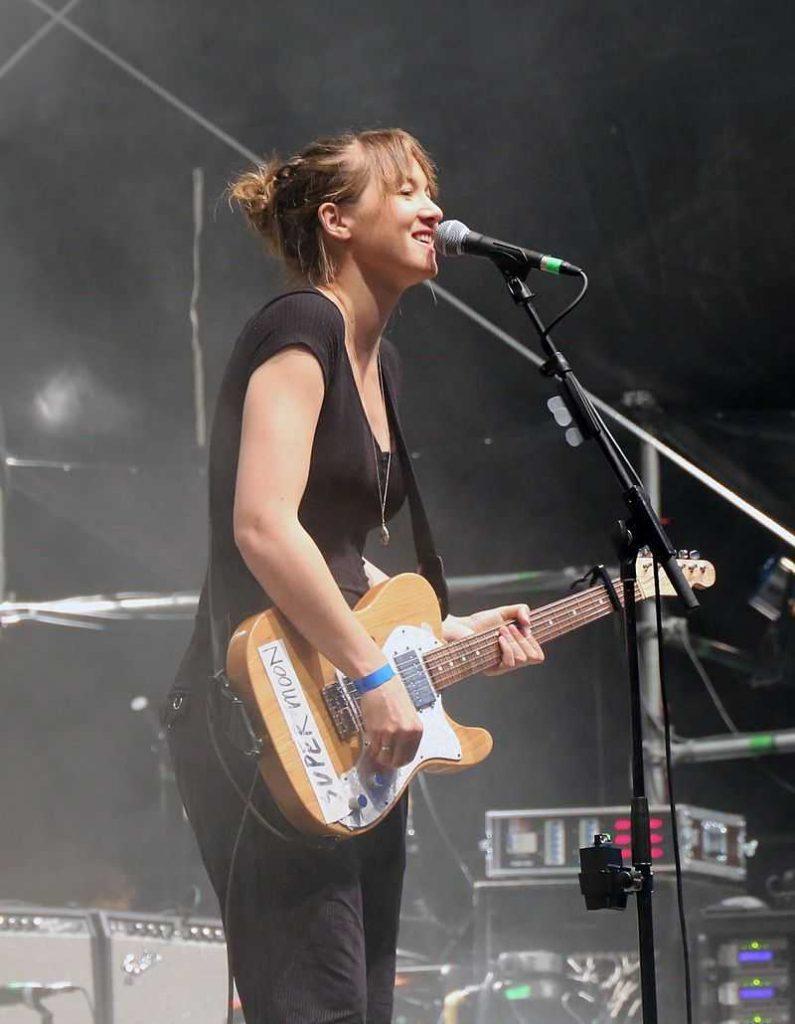 Die schweizer Sängerin und Songwriterin Sophie Hunger beim Rocken am Brocken 2016 in Elend/Deutschland