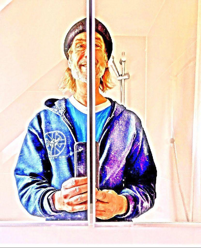 selfie in blau, März 2020