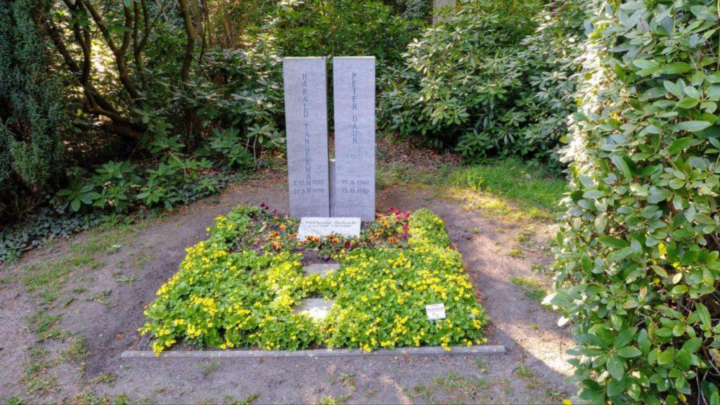Grab von Harald Tangermann und Peter Daun Club Uhlenhorst Toms Saloon Pit